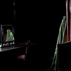 Only darkness lies between us (51x50cm)